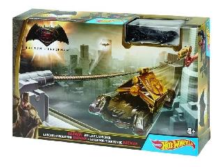 Hot Wheels - Batman Superman ellen Batmobil kilövő