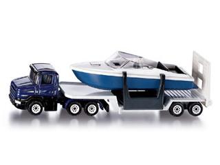 Kamion csónakkal